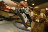 Transakcje w sieci. Czy dodatkowe zabezpieczenia konta przy logowaniu i więcej PIN przy transakcjach poprawia bezpieczeństwo?