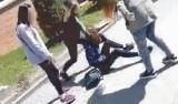 Biły w twarz, kopały, chciały przypalić włosy. 13-latka nękana przez inne nastolatki