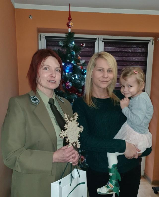 Pani Honorata z Agatką oraz Agnieszka Anklewicz zajmująca się na co dzień hodowlą lasu oraz edukacją leśną