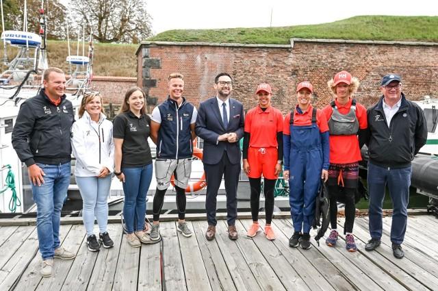 Spotkanie prezesa Grupy Orlen, Daniela Objatka, z uczestnikami Młodzieżowej Akademii Żeglarskiej w bazie Energa 77 Racing Team w Gdańsku.