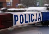 Białystok. Policjanci uratowali 41-latka. Nieprzytomny siedział w aucie