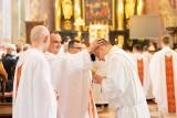 Nowi kapłani archidiecezji lubelskiej. W archikatedrze święcenia prezbiteratu przyjęło 9 diakonów. Zobacz
