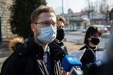 Białystok. Partia Razem i Młodzi Razem chcą zmiany w przepisach o prawie do bezpłatnych przejazdów autobusami. Gdy jest za dużo smogu