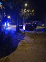 Wypadek na Lutomierskiej w Łodzi. Dwie osoby ranne w zderzeniu na skrzyżowaniu z ulicą Piwną [ZDJĘCIA]