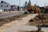 Miejskie krajówki w przebudowie. Trwają prace na dk65 w Mońkach. Zobacz postęp prac (zdjęcia)