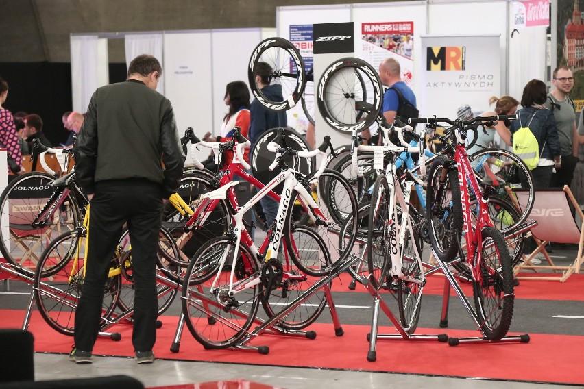 Konsumenci zdecydowanie częściej kupują nowe rowery, a o ich...