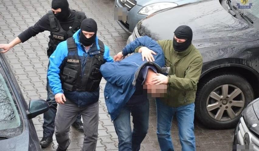19 zatrzymanych osób usłyszało zarzuty związane z obrotem...