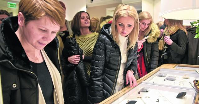 Kultowe bransoletki firmy Lilou są już dostępne w Białymstoku Oferta butiku wzbudziła zainteresowanie przybyłych gości