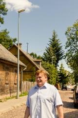 Miasto zamontowało latarnie, które oburzyły mieszkańców Bojar. Będą one jednak zdjęte i zastąpione stylowymi - pasującymi do dzielnicy