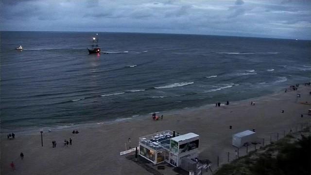 W Łebie statek utknął na mieliźnie. Pasażerowie ewakuowani.