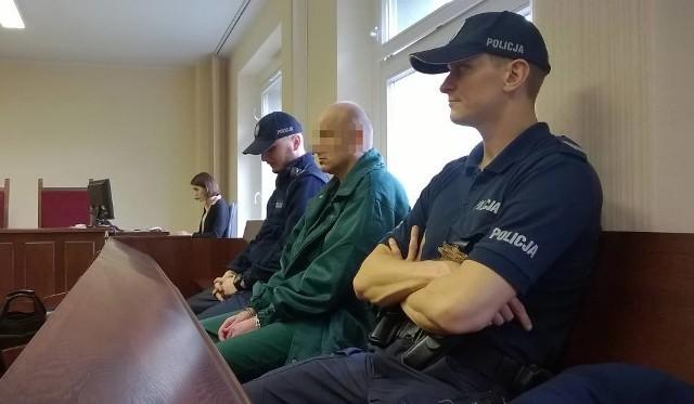 Oskarżony podczas pierwszej rozprawy.