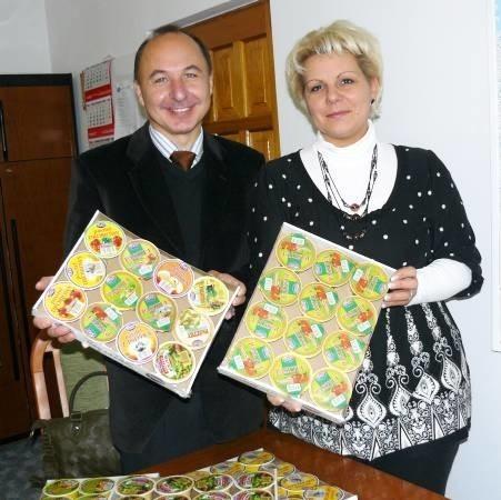 - Nasze pasztety smakują wyśmienicie i są na każdą kieszeń - mówią Agata Pierończyk i Mirosław Józefowicz z firmy W-D w Skwierzynie