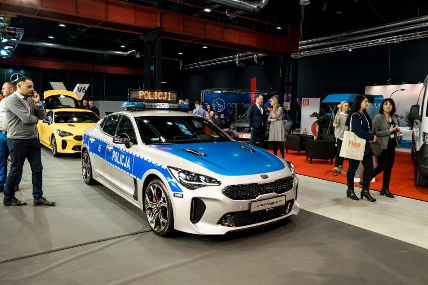 Fleet Market 2018. Policyjna KIA Stinger o mocy 366 koni mechanicznych. X Ogólnopolskie Targi Motoryzacyjne i Biznesowe FLEET MARKET 2018