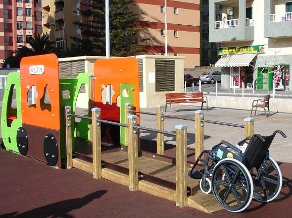 Plac zabaw dostosowany do wjechania wózkiem inwalidzkimPlac zabaw dostosowany do korzystania przez dzieci niepełnosprawne powinien m.in. umożliwić wjechanie wózkiem. Pokazane rozwiązanie firmy Benito wyposażone jest w najnowsze rozwiązania. Dzięki nim zabawa jest dużo łatwiejsza i bezpieczniejsza. A to w przypadku dzieci niepełnosprawnych jest bardzo ważne.
