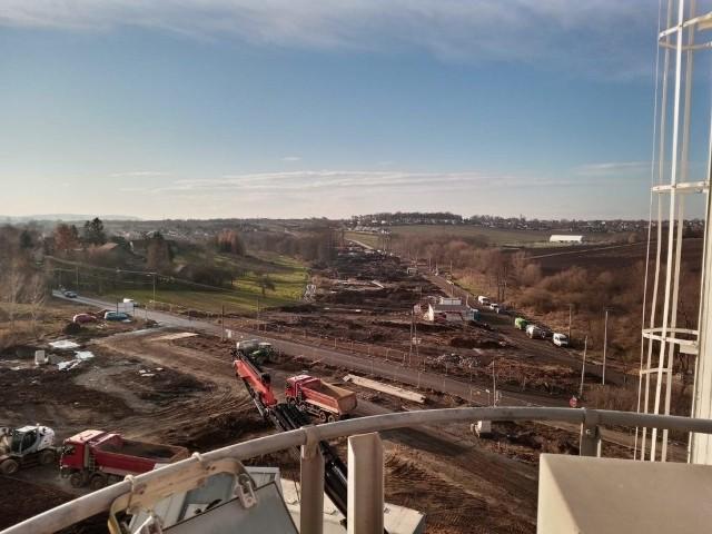 Prace przy budowie fundamentów mostu