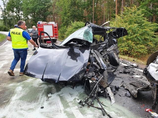 Śmiertelny wypadek na trasie Sztum - Kwidzyn. Samochód osobowy zderzył się z ciężarówką. Nie żyje jedna osoba!