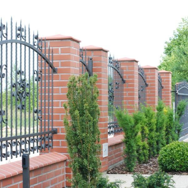 Najpopularniejszym materiałem do budowania ogrodzenia jest klinkier