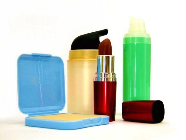 Fundacja Pro-Test będzie naciskać na producentów kosmetyków, aby wycofali podejrzane substancje ze składu swoich preparatów. Fot. Prot-Test