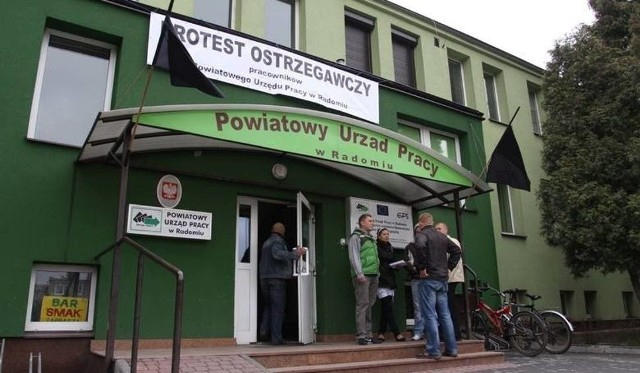 Powiatowy Urząd Pracy w Radomiu otrzymał kolejne środki finansowe na pomoc dla firm i przedsiębiorców z Radomia i powiatu radomskiego.