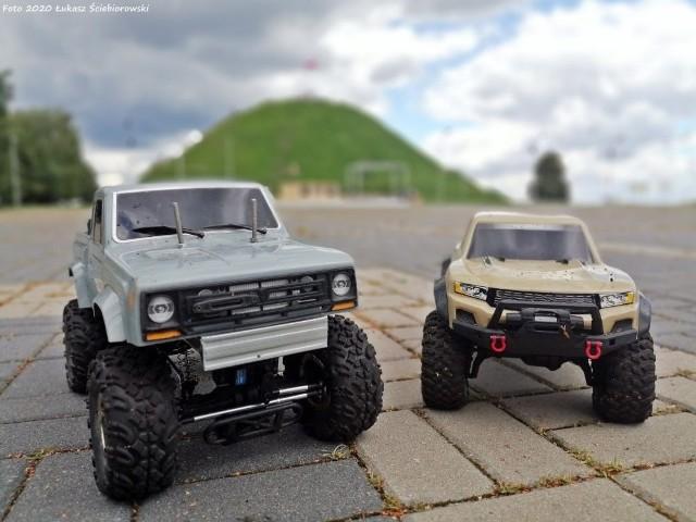 Rajd pod Kopcem Wyzwolenia w Piekarach Śląskich przyciągnął miłośników samochodów RC. Zobacz kolejne zdjęcia. Przesuwaj zdjęcia w prawo - naciśnij strzałkę lub przycisk NASTĘPNE >>>