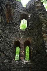 Tajemnicze Ruiny Romantyczne w Orzechu dla zakochanych