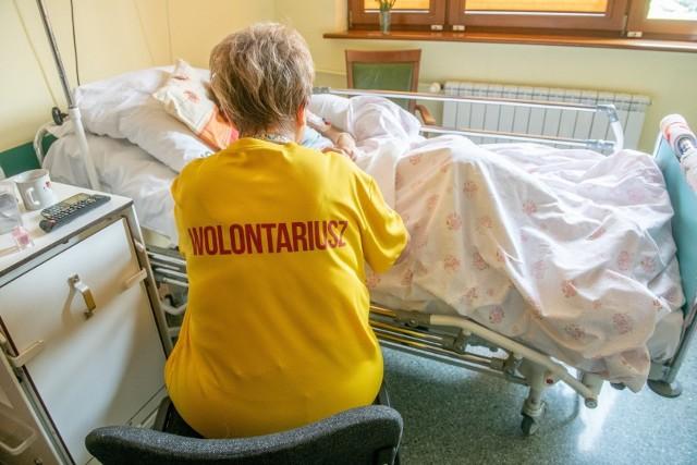 Często najważniejszym zadaniem wolontariusza jest sama obecność przy chorym