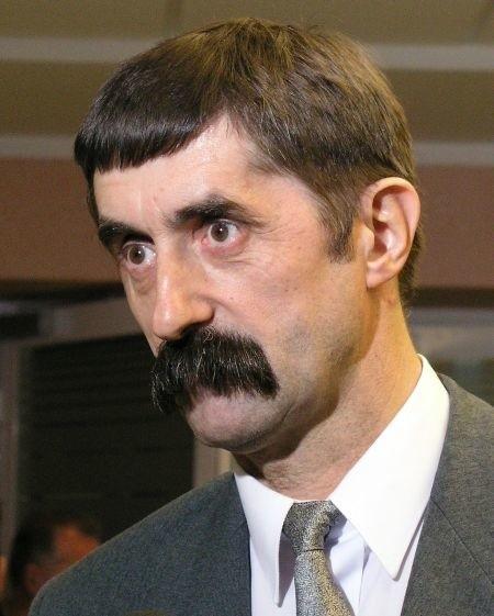 Anatol Borowik został zwolniony z pracy w grudniu ubiegłego roku. Twierdzi, że jego zwolnienie było wynikiem nacisków politycznych