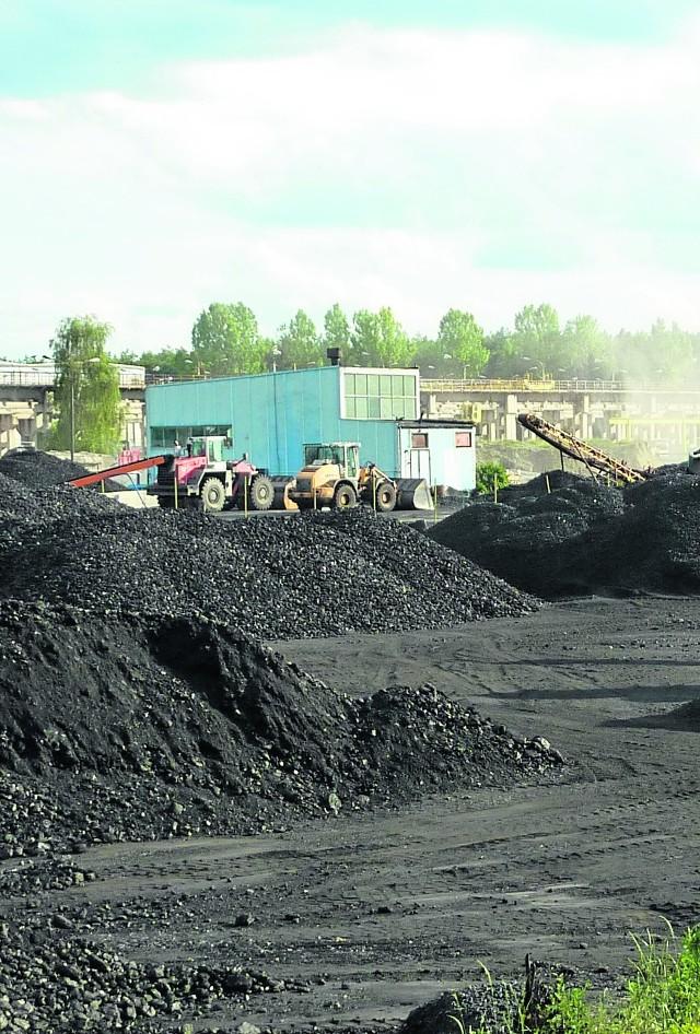 W 2014 roku przy ul. Betonowej operowały ładowarki i sortownice węgla. Trwała walka o majątek upadającej spółki