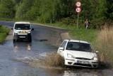 Ludzie boją się powodzi, bo sąsiad zasypuje teren zalewowy