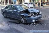 Wypadek w centrum miasta. Jedna osoba w szpitalu