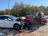 Ełk. Zderzenie trzech aut. Dwie osoby poszkodowane