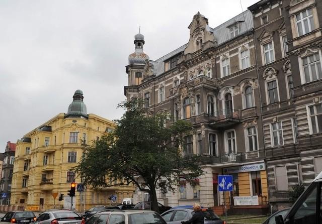Taki jest dziś stan kamienic, które zostaną poddane rewitalizacji. Szczecin: Szwedzki inwestor kupił kamienice w centrum