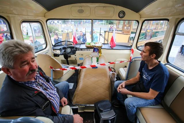 We Wrocławiu trwa wielkie święto miłośników zabytkowych tramwajów i autobusów