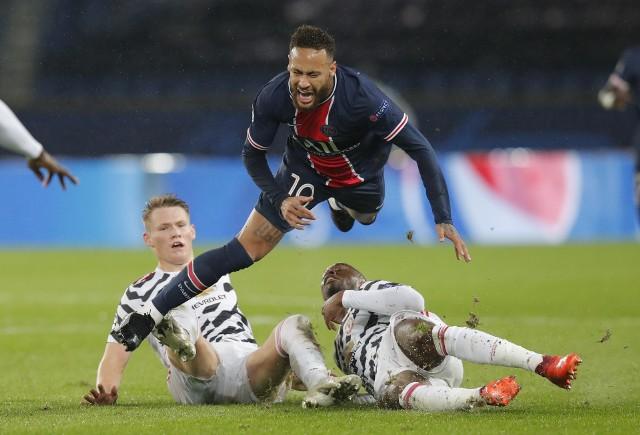 Liga Mistrzów: Były piłkarz Korony sprokurował jedenastkę po faulu na Messim