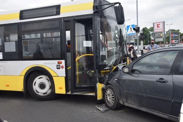 Niemowlę poszkodowane w wypadku z udziałem autobusu miejskiego MKP Sieradz nie żyje!