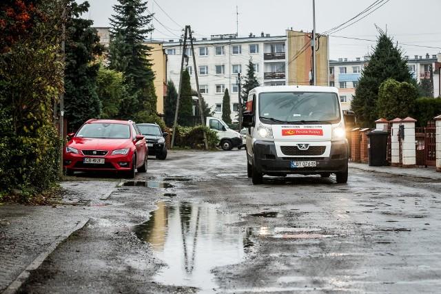 Ulica Homarowa - cała albo w części - m być utwardzona w przyszłym roku.