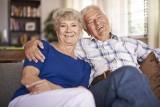 Prezent na Dzień Babci i Dzień Dziadka? Oto kreatywne i tradycyjne propozycje, które spodobają się dziadkom i babciom