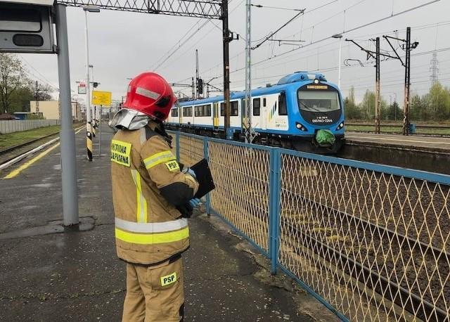 Nastolatka wpadła pod pociąg osobowy w Tarnowskich Górach