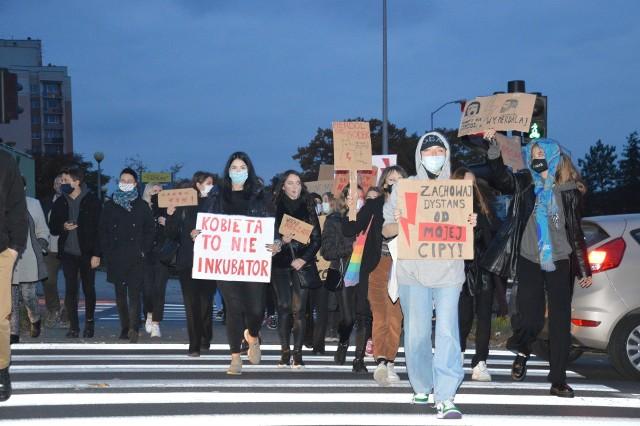 Manifestacja przeciwko wyrokowi Trybunału w Zielonej Górze