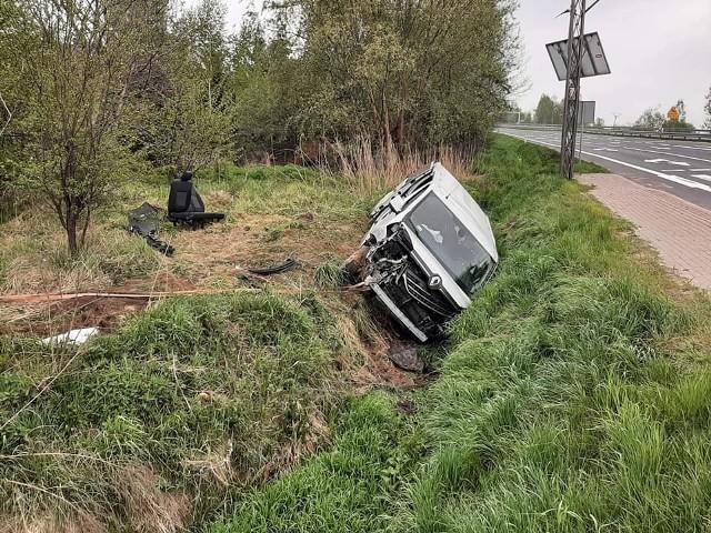 Wypadek na DK 94 w Bolesławiu przy skrzyżowaniu z drogą do Krze