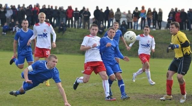 Piłkarze ŁKS rzygotowujący się do rundy wiosennej rozgrywek IV ligi jutro rozegrają drugi mecz sparingowy.