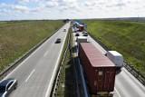 Wypadek i roboty drogowe na autostradzie A4. Są utrudnienia