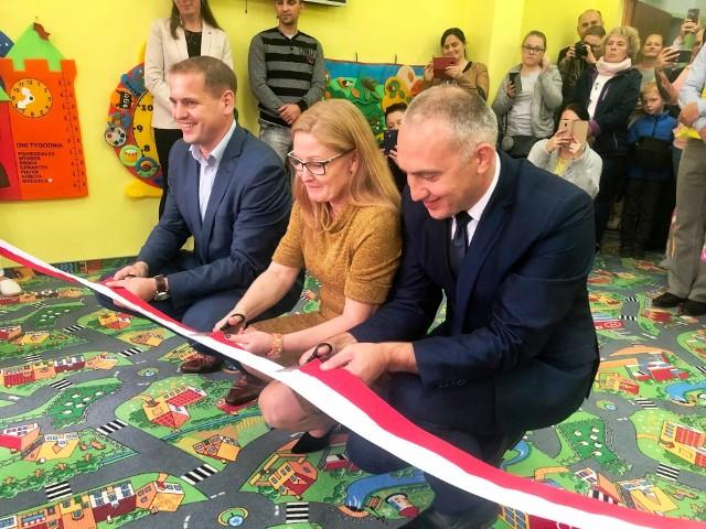 """W tym miesiącu doszło do oficjalnego otwarcia punktu przedszkolnego """"Kubuś Puchatek"""" w Dąbiu."""