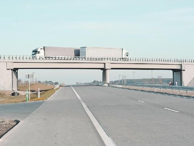 Nowy odcinek autostrady czeka na otwarcie (fot. Tomasz Gawałkiewicz)