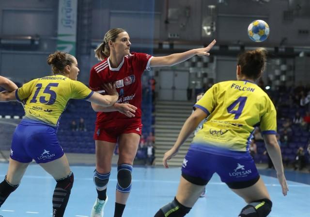 SPR Pogoń (czerwone stroje) podczas finału Challenge Cup 2019
