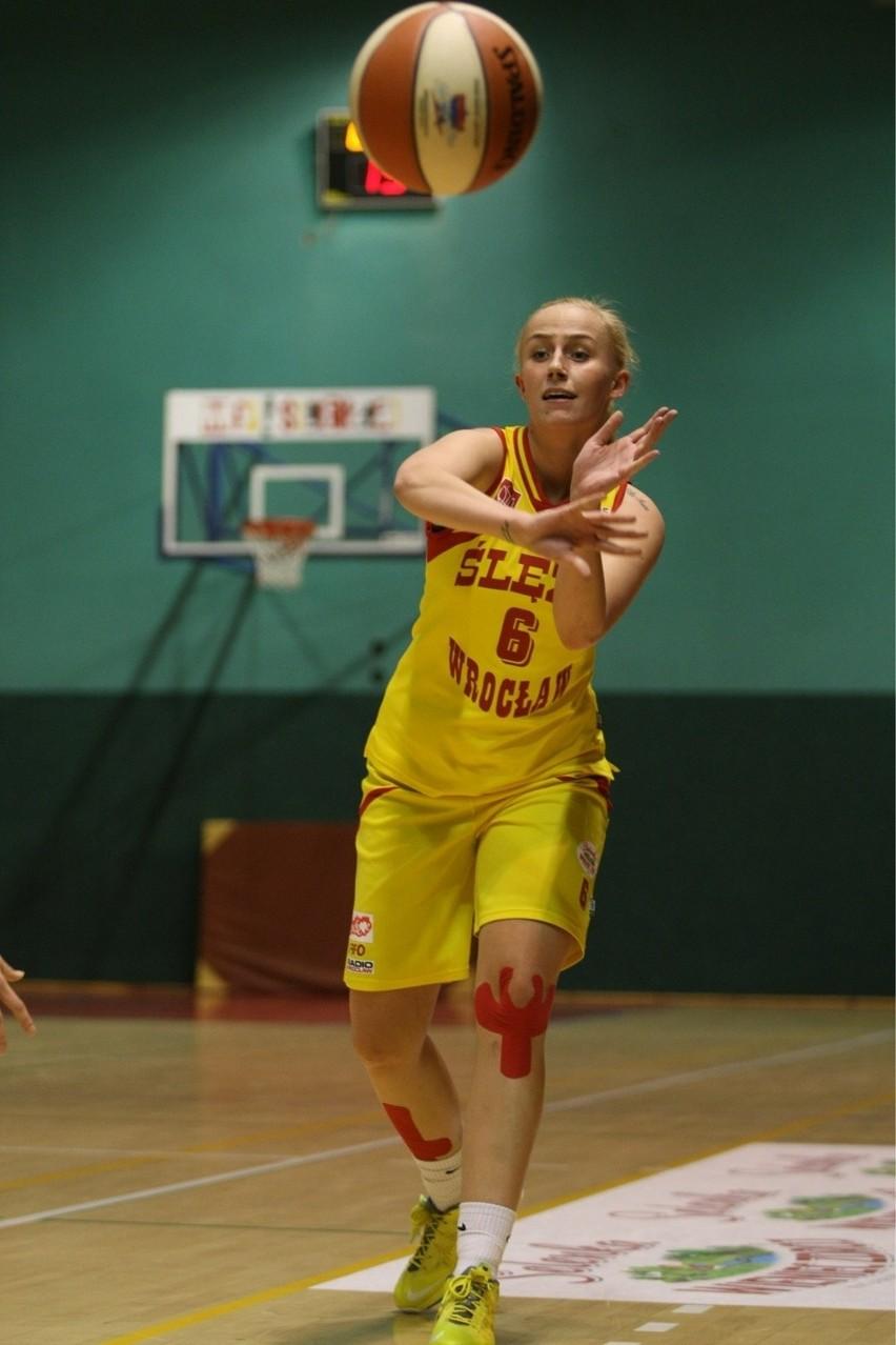 Monika Jasnowska trafiła trzy rzuty za trzy. Wszystkie w pierwszej kwarcie