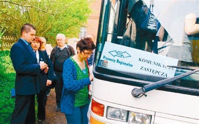 Przejazd autobusem wydłuży całą podróż zaledwie o kilka minut. (fot. ksw)