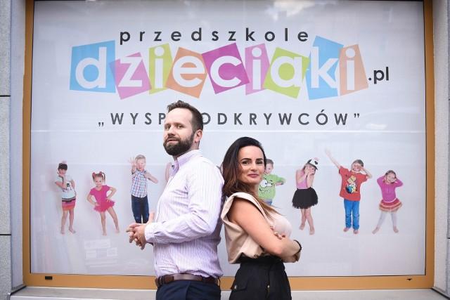 """Agnieszka Nowak-Maliszewska i Karol Golonka zapraszają do nowego przedszkola """"Dzieciaki.pl"""". Poza Wyspą Odkrywców i placówką w osiedlu Na Stoku, otwiera się lokal na Karczówce."""
