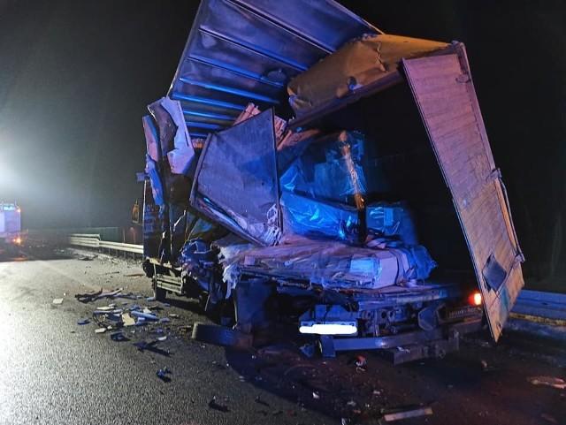 Gosie Duże. Wypadek na S8. Zderzyły się dwie ciężarówki