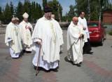 Kropla krwi Jana Pawła II w Świekatowie. Relikwia będzie wędrować po domach  [zobacz zdjęcia]